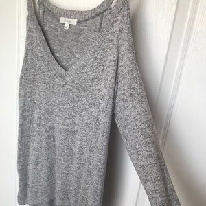 Tops - Long sleeve grey top